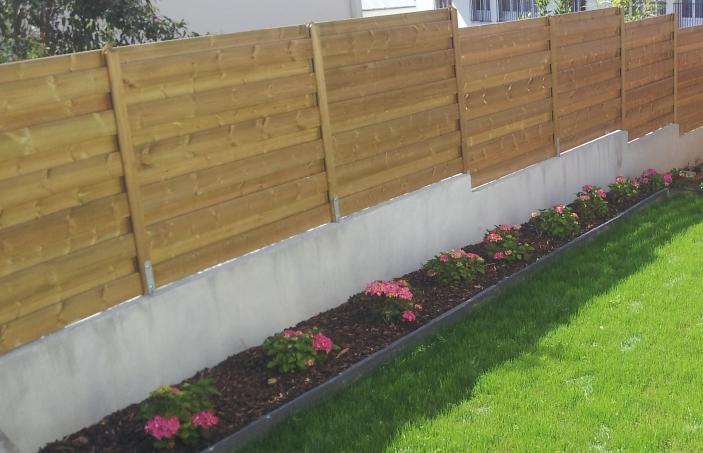 Palissade portail for Palissade en bois pour jardin