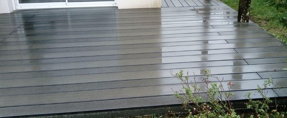 Terrasse en composite Forexia Elegance, lames structurées.